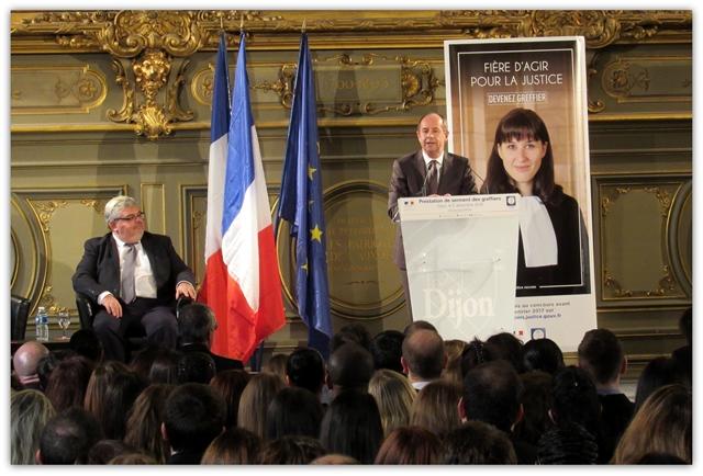 Jean-Jacques URVOAS, garde des Sceaux - Prestation de serment de 341 greffiers stagiaires - 5 décembre 2016