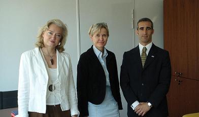 De gauche à droite : Madame MELMOUX, maître de conférence, Madame LIOTARD, Directrice de l'Ecole, et Monsieur FERNANDEZ