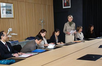 Délégation japonaise - Allocation de Madame LIOTARD, Directrice de l'Ecole